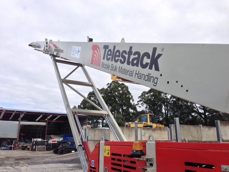 Telestack Conveyor from below (Model: TC424X)